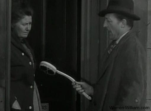 Warren William goes door to door for the Gower Brush Company in The Mind Reader